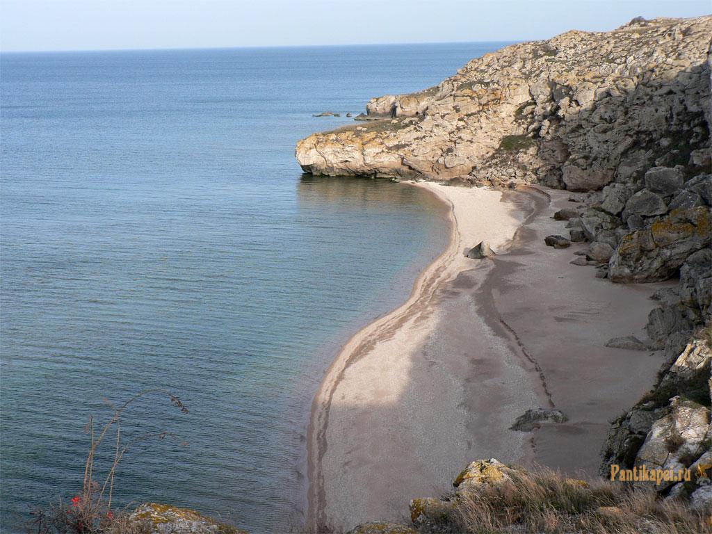 Генеральские пляжи, село Золотое