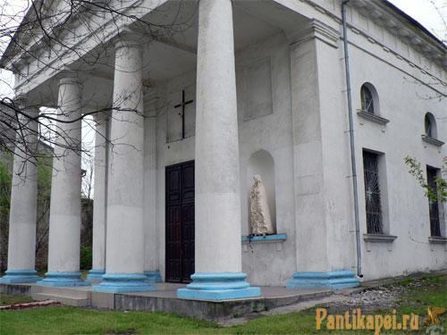 в Керчи открыт  храм в честь Св. Владимира и Ольги