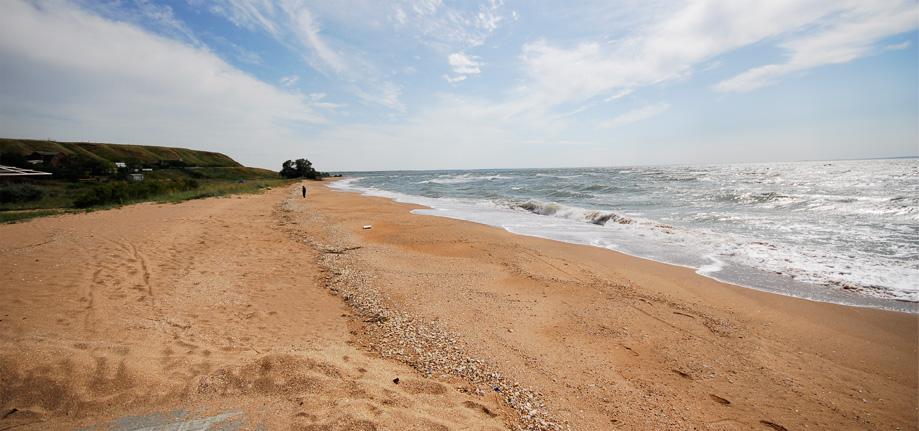 Песчаный пляж, поселок Золотое, Восточный Крым