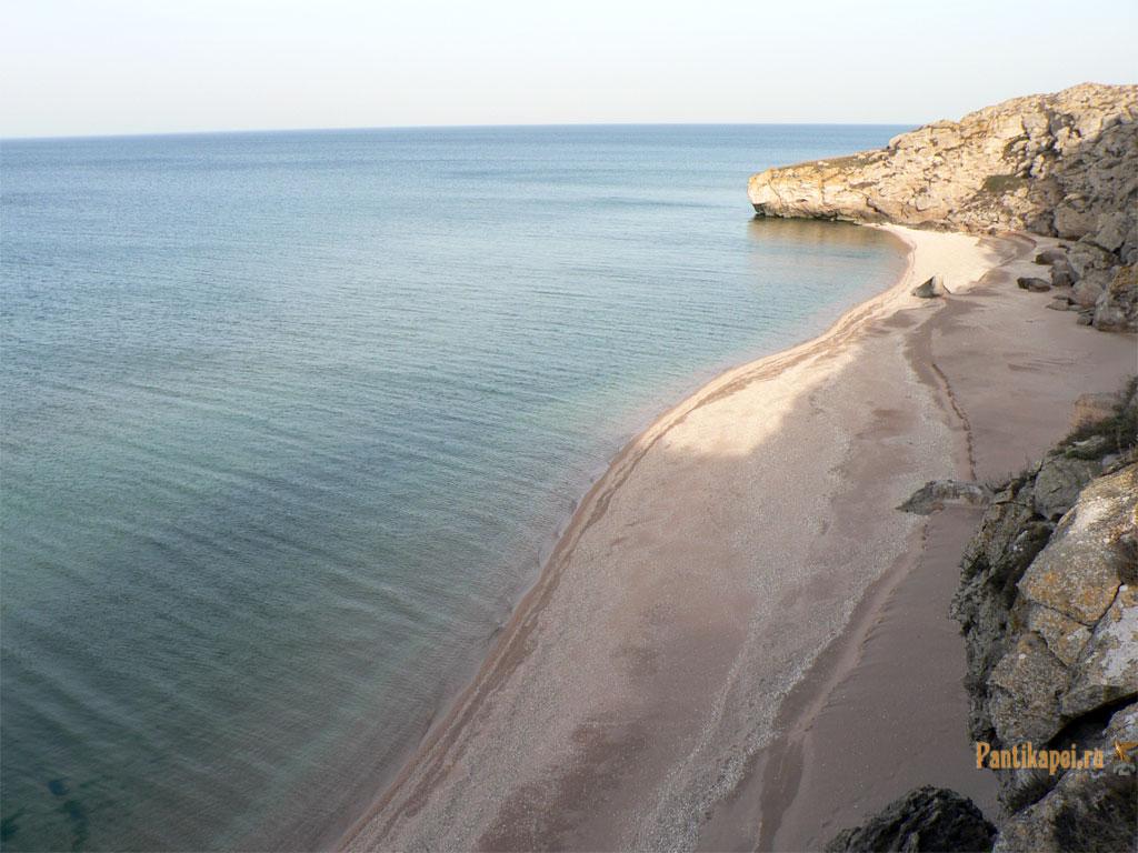 на генеральских пляжах, около села Золотое
