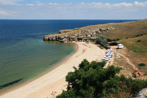 """База отдыха """"Красивое место"""", пляж"""