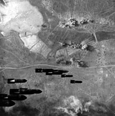 (Bombardowanie przez lotnictwo niemieckie miasta Kercz)