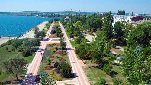 Городская набережная Керчи, вид с высоты