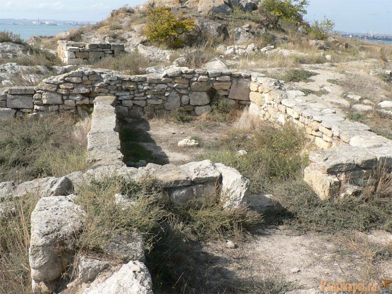 Античный город Мирмекий, (в нынешней Керчи)