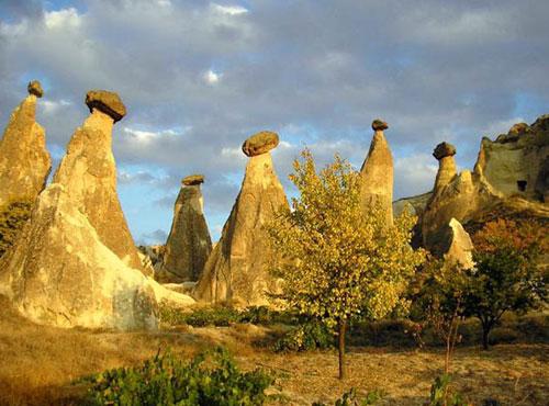 Каппадокийские грибы в лучах заходящего солнца