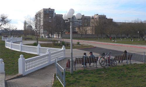 Сквер на бульваре пионеров в Керчи