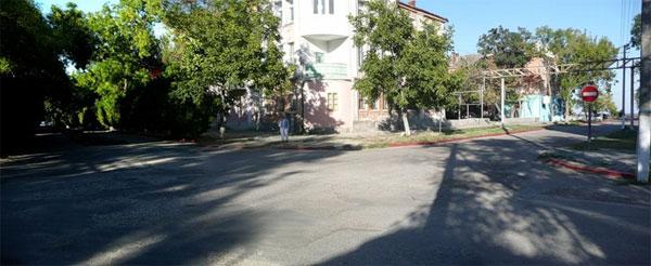 Керчь, улица Айвазовского, у набережной
