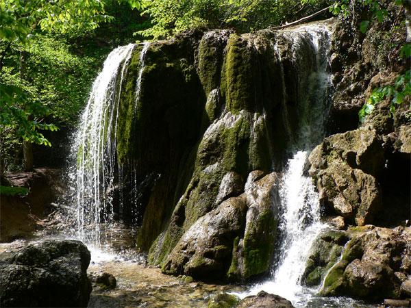 Крым Большой Каньон водопад Серебряные струи