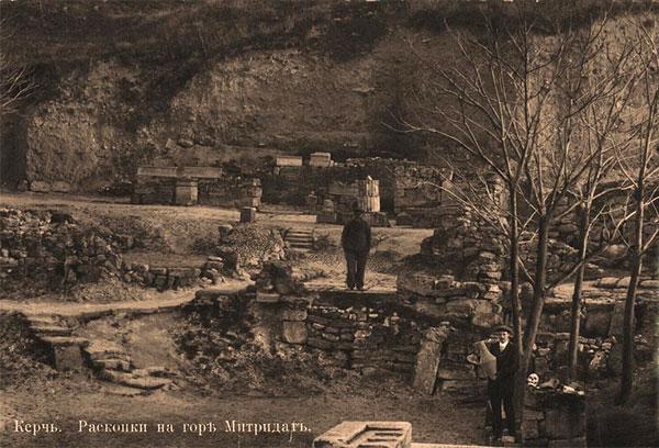 Раскопки Пантикапея на горе Митридат, 19 век