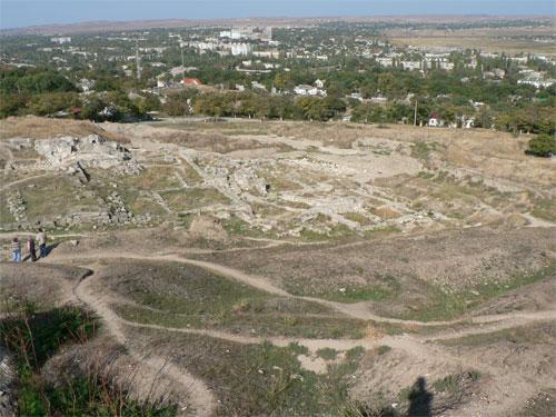Руины Пантикапея, на горе Митридат в Керчи