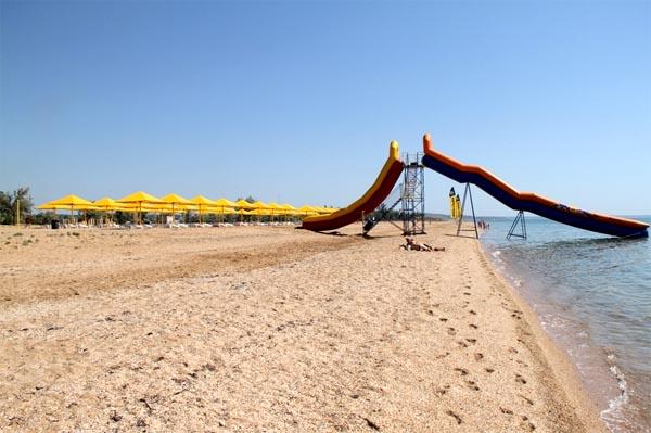 Городской пляж в Керчи