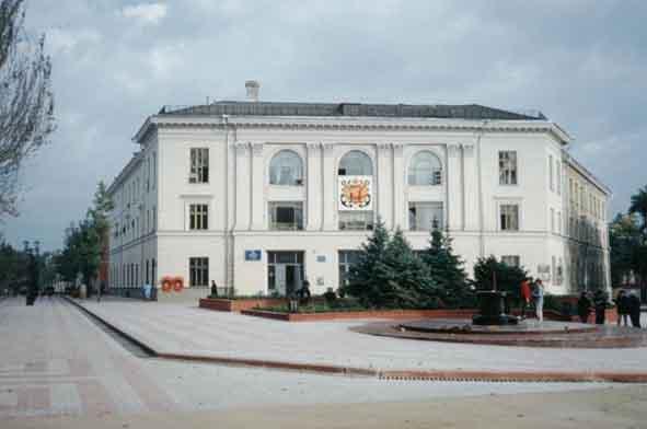 Реконструкция улицы и площади Ленина в Керчи 1999-2002