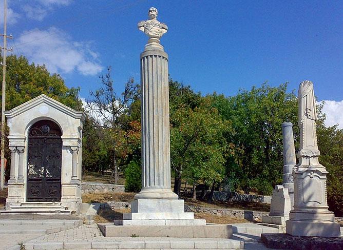 могила адмирала Спицына Александра Петровича (1810-1888)
