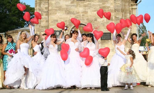 Парад невест в Керчи