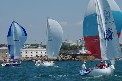 «Кубок Крыма» победу одержала керченская яхта