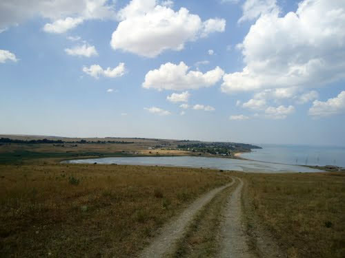 Пос. Набережное и озеро Яныш