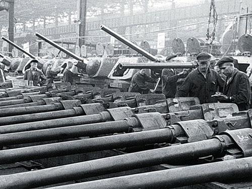 Танковый_завод_1943_г