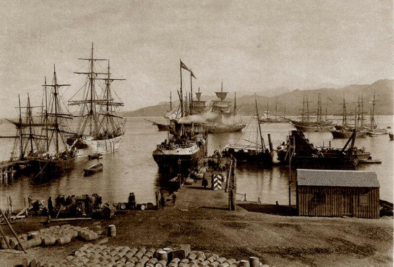 1868 Батум. Загрузка судов нефтепродуктами. Д. И. Ермаков